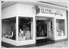 1985 - The First Hold Everything Store
